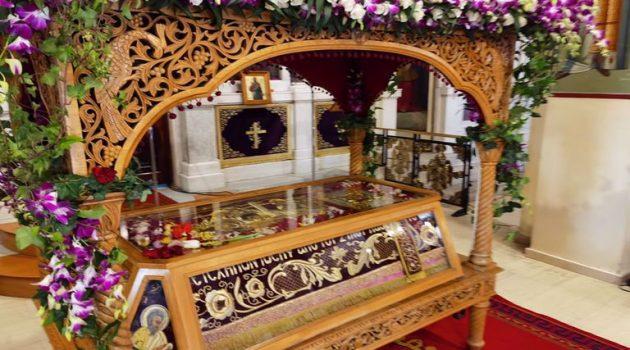 Ιερός Ναός Αγίου Γεωργίου Αγρινίου: Ο Στολισμός του Επιταφίου (Photos)