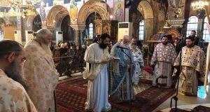 Δύο νέους Ιερείς χειροτόνησε ο Μητροπολίτης Κοσμάς (Photos)