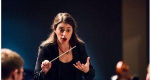 Ελληνίδα η πρώτη γυναίκα μαέστρος στη Συμφωνική Ορχήστρα του Κονρό…