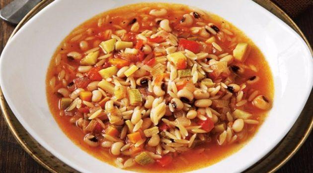 Φτιάχνουμε Iταλική σούπα μινεστρόνε