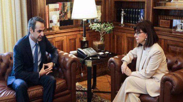 Συνάντηση Σακελλαροπούλου – Μητσοτάκη σήμερα στο Προεδρικό Μέγαρο
