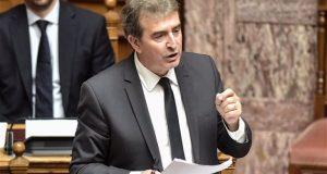 Ο Χρυσοχοΐδης απαντά στη Βουλή για την υπόθεση Φουρθιώτη