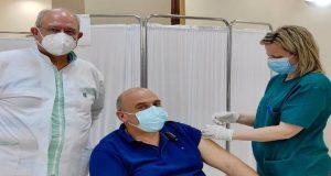Εμβολιάστηκε στο Γ.Ν. Μεσολογγίου ο Δήμαρχος Ναυπακτίας, Βασίλειος Γκίζας