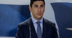 Αυγενάκης: «Μπορεί να ανοίξει η κουβέντα για κόσμο στα γήπεδα…