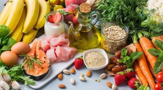 COVID-19: Ποια είναι η διατροφή που σε προστατεύει