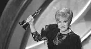 Πέθανε η ελληνικής καταγωγής ηθοποιός Ολυμπία Δουκάκη (Video)