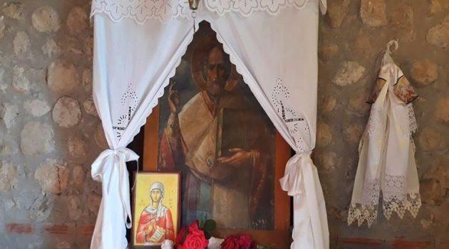 Μέγας Εσπερινός στον Παλαιό Άγιο Νικόλαο Καλυβίων (Photo)