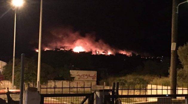 Μεγάλη φωτιά στο Σχίνο Κορινθίας – Εκκενώνονται οικισμοί (Videos)
