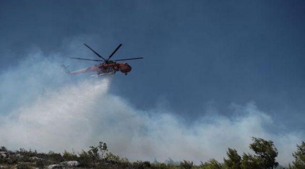 Πύρινη κόλαση στην Κορινθία – Κάηκαν σπίτια – 20 εναέρια μέσα στη μάχη