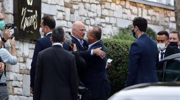 Επίσκεψη Τσαβούσογλου: Τι περιμένει το Μαξίμου από τη συνάντηση του τούρκου ΥΠ.ΕΞ.