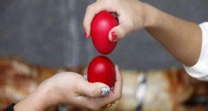 Γιατί βάφουμε κόκκινα αυγά το Πάσχα και τι συμβολίζουν;