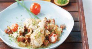 Κοτόπουλο γλυκόξινο με φέτα και ντοματίνια