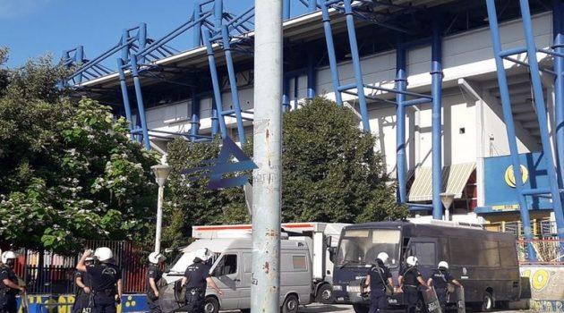 Αγρίνιο: Ισχυρή αστυνομική δύναμη έξω από το Γήπεδο του Παναιτωλικού (Photos)