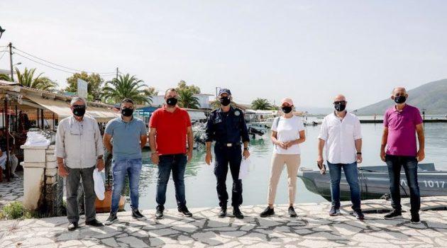 Η ΕΛ.Ο.Π.Υ. με τον Δ. Φιλιατών ανέλαβαν τον καθαρισμό του λιμανιού στη Σαγιάδα