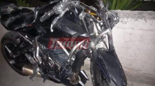 Πάτρα: 40χρονος έχασε τον έλεγχο της μηχανής και «καρφώθηκε» σε κατάστημα (Photos)