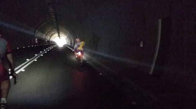 Ο Ν. Φαρμάκης «δίνει φως» στο τούνελ του Προφήτη Ηλία Σταμνάς (Photo)