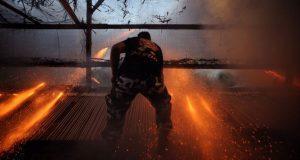 Ρουκετοπόλεμος στον Βροντάδο Χίου – Τηρήθηκε το έθιμο, άλλαξε… ο…