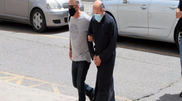 Αγρίνιο: Στη φυλακή θα οδηγηθεί ο 49χρονος Ιερέας