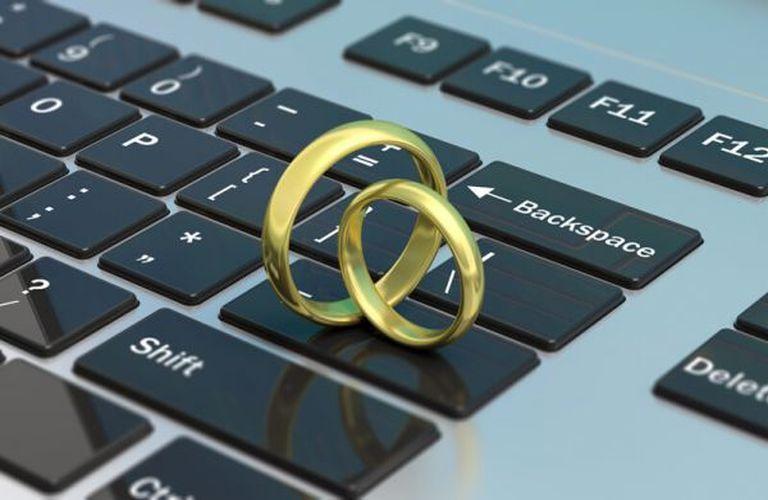 Συναινετικό διαζύγιο: Με ένα «κλικ» στον ηλεκτρονικό υπολογιστή από το σπίτι - AgrinioTimes.gr