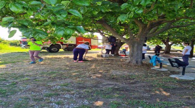 Δράση καθαρισμού στην Αγία Τριάδα του Μαυρίκα από την «Ακτίνα Εθελοντισμού» (Photos)