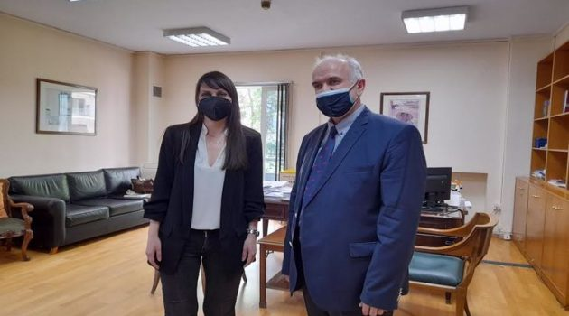 Συνάντηση Λύρου – Χαραλαμπογιάννη: Η υποστελέχωση του Δήμου επί τάπητος