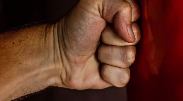 Ηλεία: Αλλοδαπός παρενοχλούσε σεξουαλικά 15χρονο – Επιτέθηκε στον πατέρα του