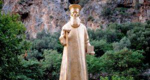 Έβαψαν χρυσό το άγαλμα του Κοσμά του Αιτωλού στην Κλεισούρα…