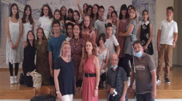 Θεατρική παράσταση από το Καλλιτεχνικό Γυμνάσιο Μεσολογγίου (Video)