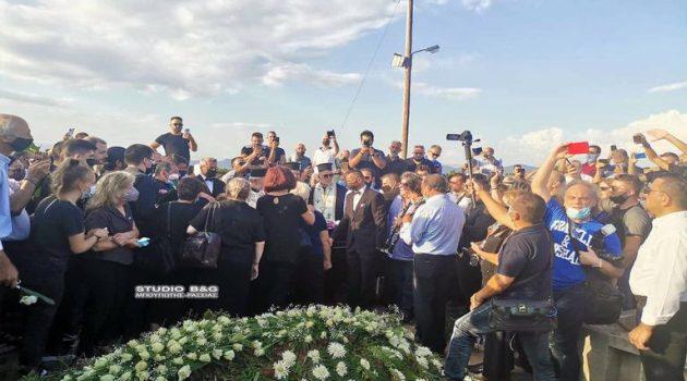Σε κλίμα θλίψης και άκρας συγκίνησης η κηδεία της Φιλιώς Πυργάκη (Video)