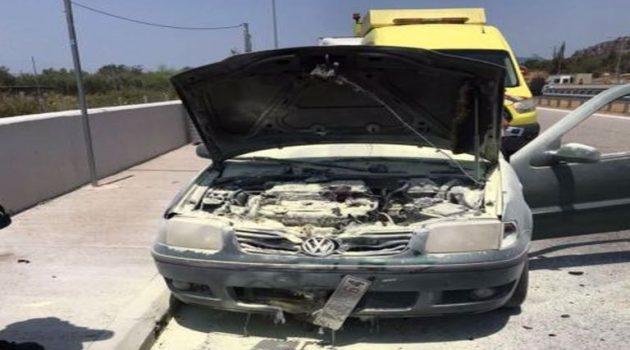 Αυτοκίνητο «λαμπάδιασε» στην Ιόνια Οδό (Photos)