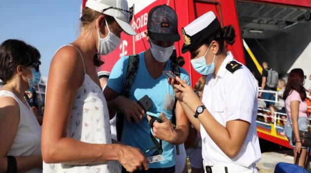 Πλακιωτάκης: «2.500 άτομα δεν ταξίδεψαν το τριήμερο για τα νησιά» (Video)