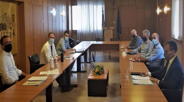 Συνάντηση Λιβανού με Παναιγιάλειo Ένωση για τα αποθέματα της σταφίδας