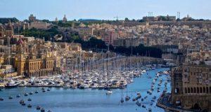 Η Μάλτα κλείνει τα σύνορά της σε όλους τους ανεμβολίαστους…