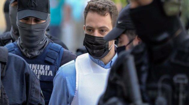 Ο Iερέας με το βιτριόλι εξομολόγησε τον δολοφόνο της Καρολάιν (Video)
