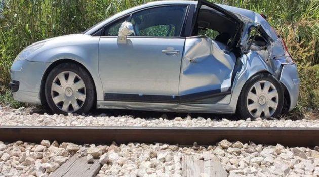 Πάτρα: Αυτοκίνητο έπεσε πάνω στον Προαστιακό (Photos)