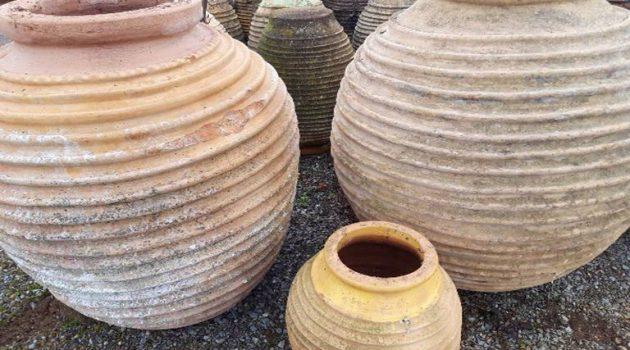Αγρίνιο: Πουλούσε παράνομα πήλινα πιθάρια και συνελήφθη