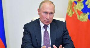 Πούτιν: «Να αυξηθούν οι εμβολιασμοί στην χώρα αλλά όχι να…