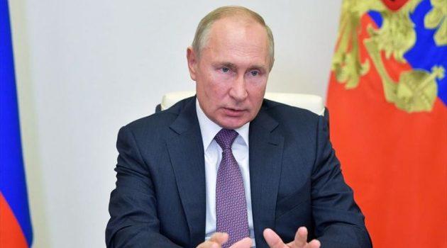 Πούτιν: «Να αυξηθούν οι εμβολιασμοί στην χώρα αλλά όχι να επιβάλλονται»