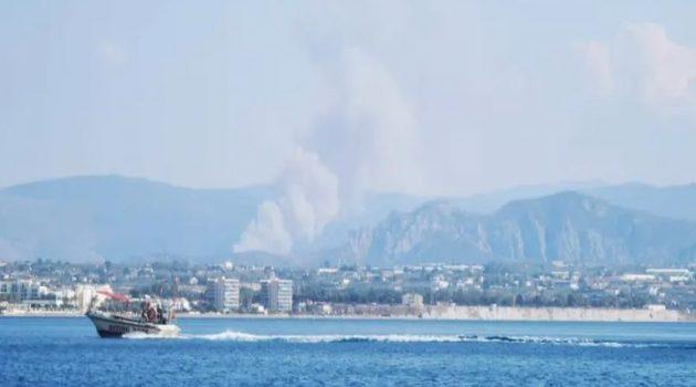 Μεγάλη φωτιά στην Άνω Αλμυρή Κορινθίας – Εκκενώθηκε οικισμός (Video – Photos)