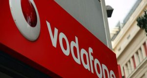 «Έπεσε» το δίκτυο της Vodafone, προβλήματα σε τηλέφωνο και ίντερνετ