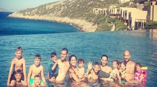 Σπανούλης – Ζήσης: Διακοπές μαζί με τις συζύγους και τα 10 παιδιά τους