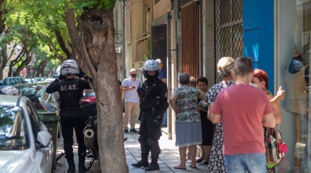 Γυναικοκτονία στη Θεσσαλονίκη: Στον εισαγγελέα ο 48χρονος δράστης (Videos)