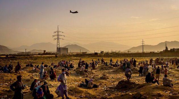 Αφγανιστάν: Δραματικές εκκλήσεις από ξένες πρεσβείες – «Μην πλησιάζετε το αεροδρόμιο της Καμπούλ»