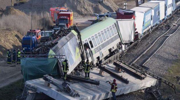 Σύγκρουση τρένων στην Τσεχία με νεκρούς και τραυματίες