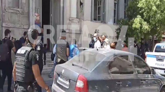 Κρήτη: Προφυλακιστέος ο 27χρονος για τη δολοφονία του κτηνοτρόφου (Video)