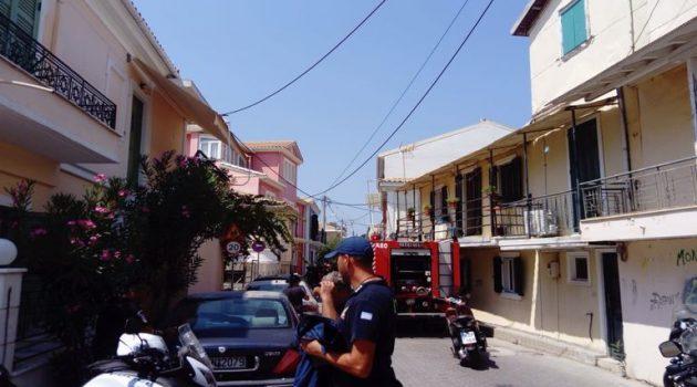 Λευκάδα: Αυτοκίνητο έπιασε φωτιά εν κινήσει (Photos)