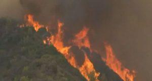 Φωτιές στην Ηλεία: Εκκενώνονται ακόμη οκτώ κοινότητες του δήμου της…