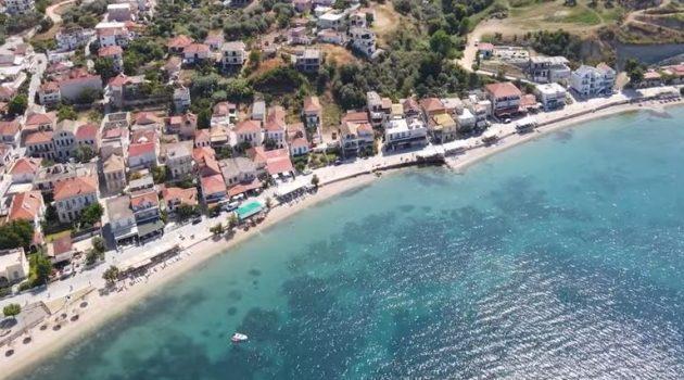 Πάλαιρος: Ο γαλάζιος παράδεισος που βρίσκεται σε στεριά και όχι σε νησί (Photo)