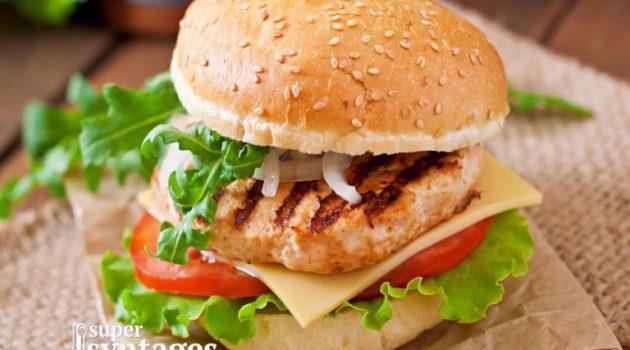 Σπιτικά burgers με κοτόπουλο