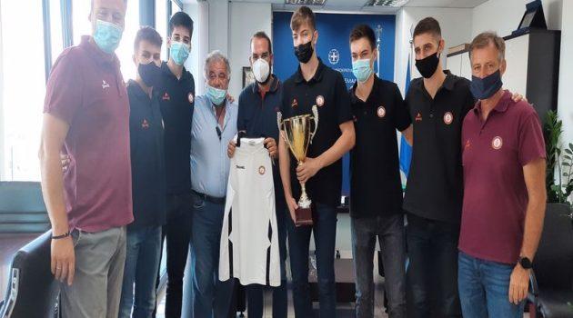 Η Πρωταθλήτρια ομάδα Παίδων του Προμηθέα Πάτρας στον Περιφερειάρχη Δυτικής Ελλάδας